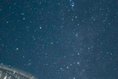 ビニールハウスと星空