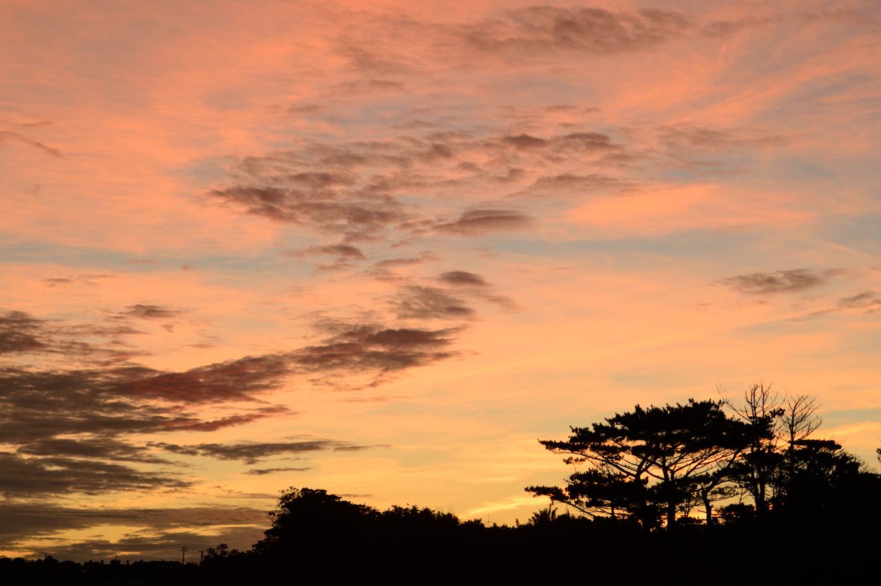 台風前の朝焼け写真1