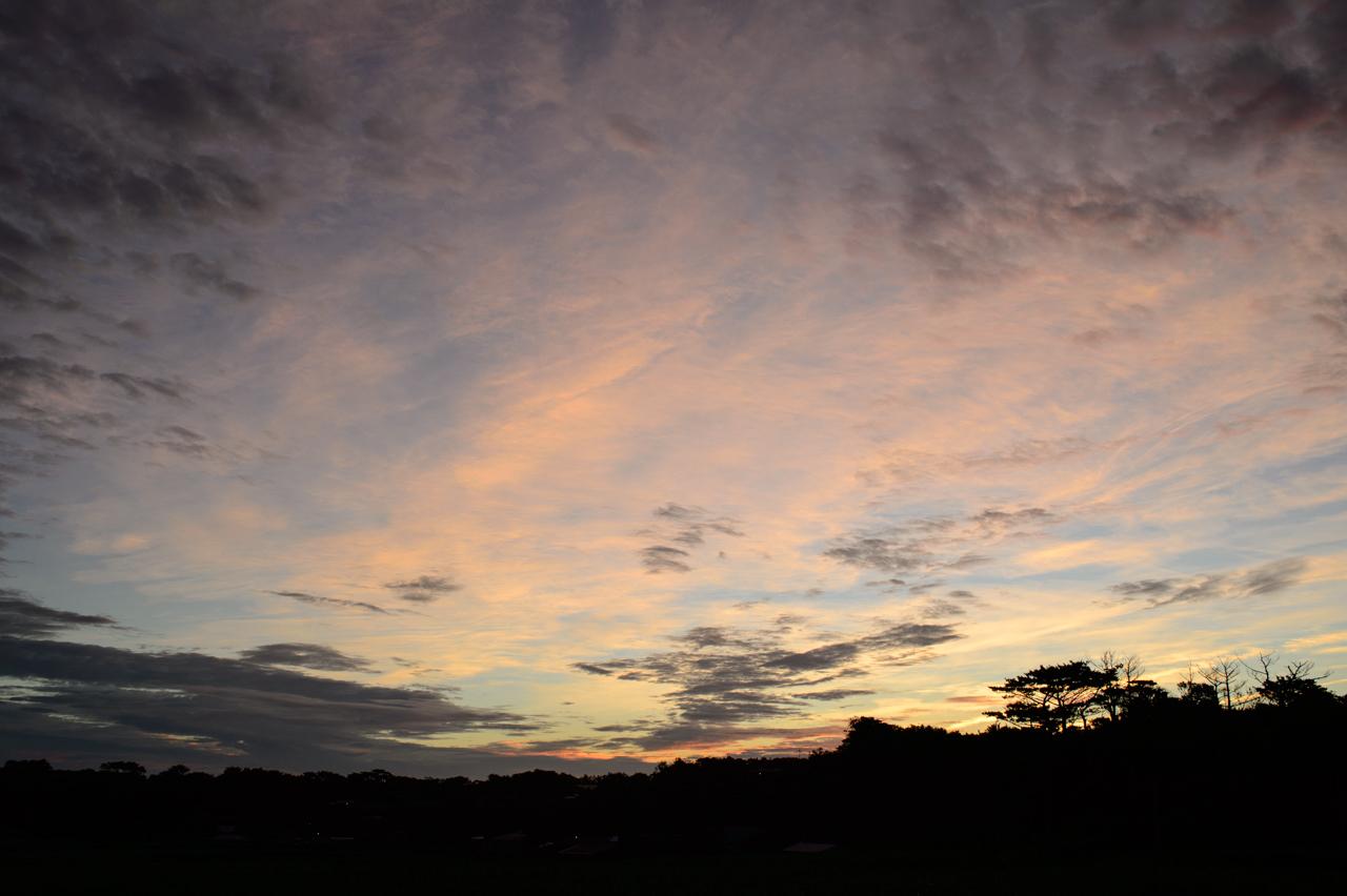 台風前の朝焼け写真5