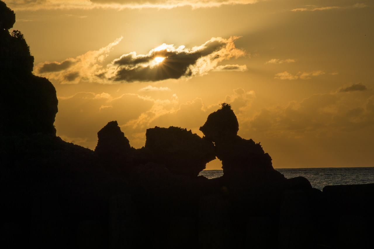 へとのご漁港での夕陽-1
