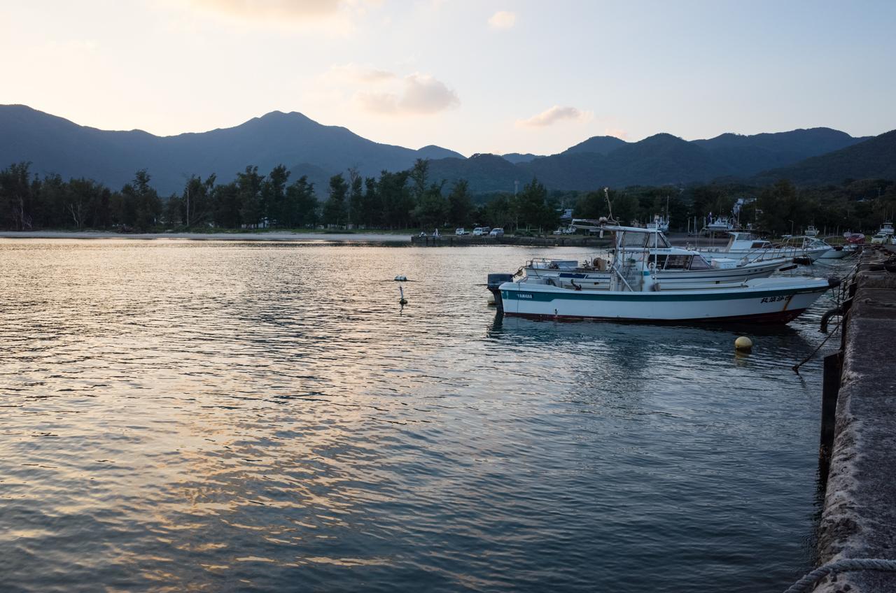山漁港での遊漁船-2