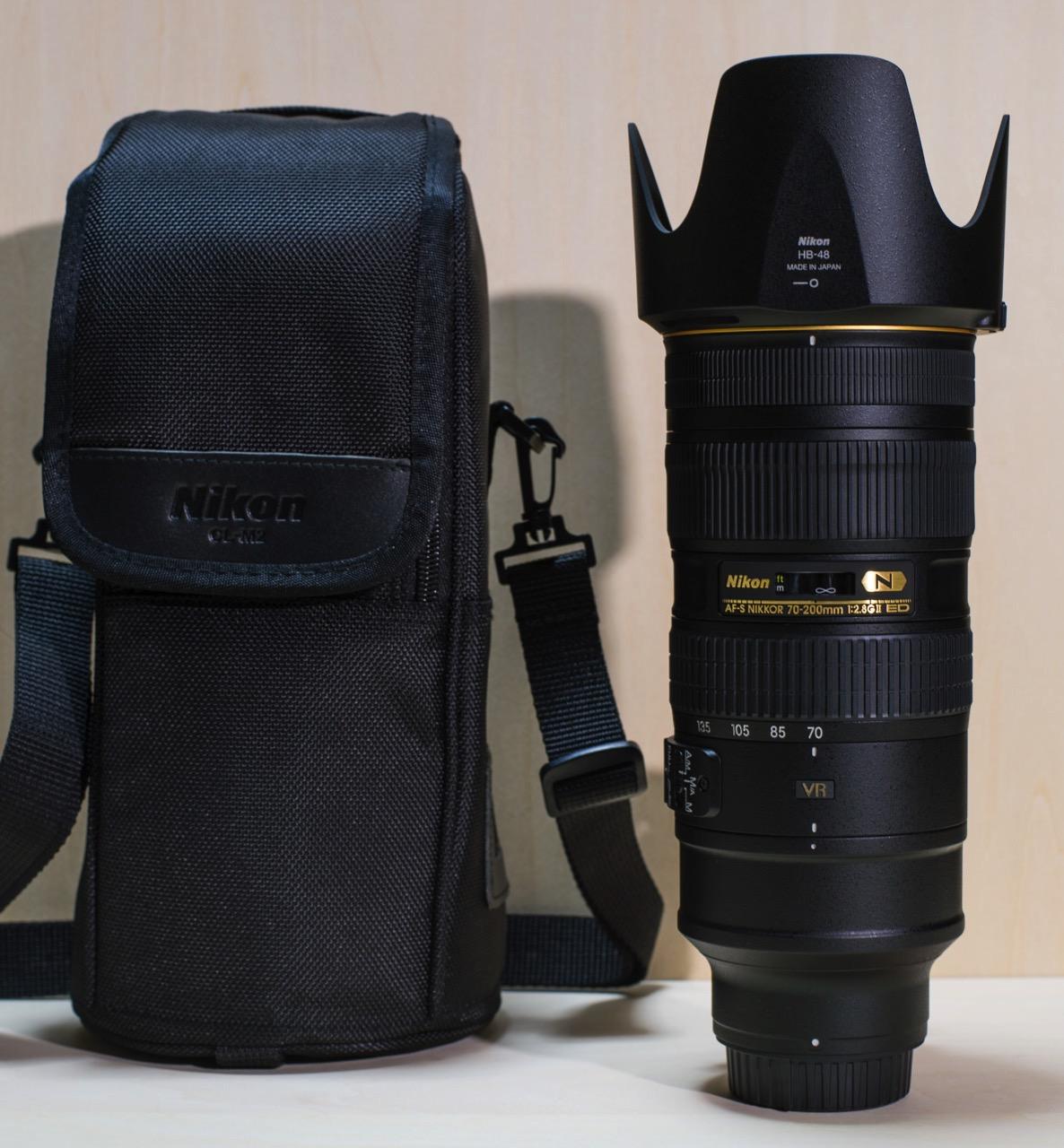 AF-S NIKKOR 70-200mm f/2.8G ED VR2の内容物