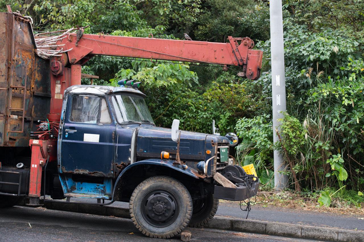 徳之島のキビ運搬車-ボンネットトラック-2