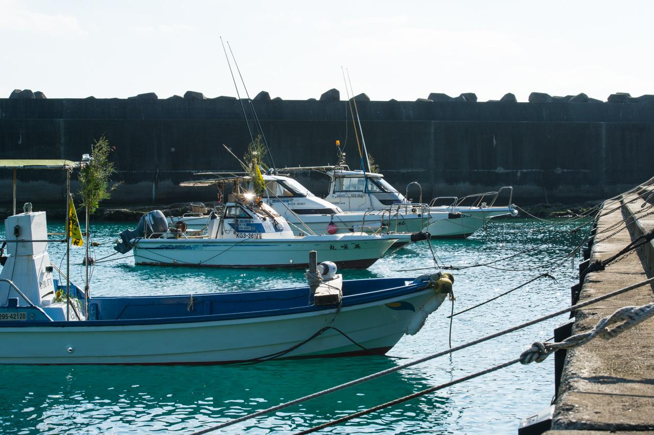 前泊港での漁船