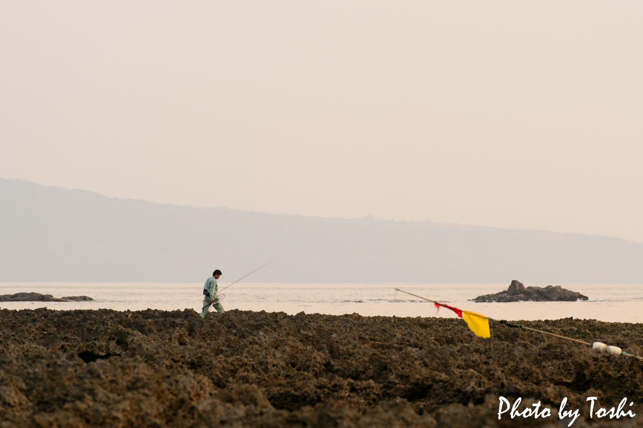 千間海岸での釣り人