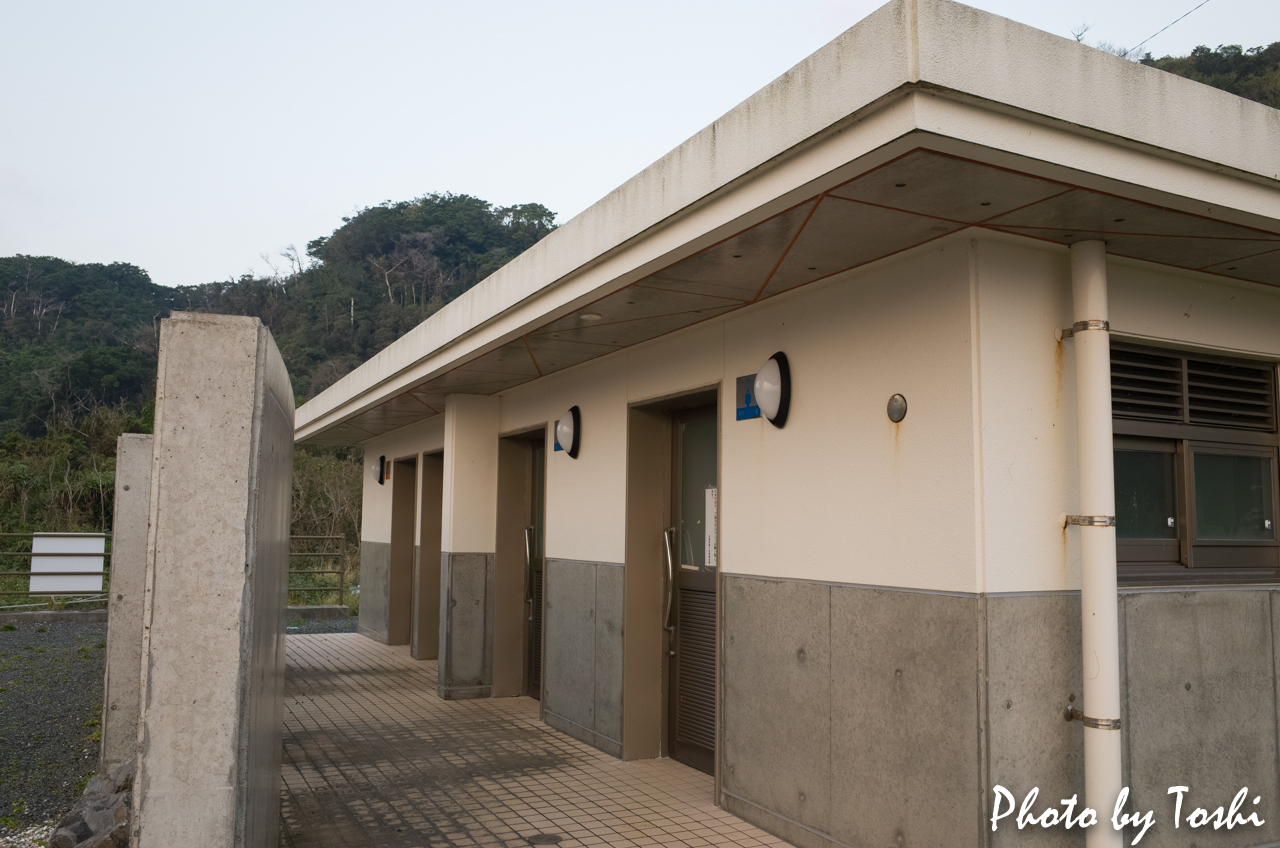 千間海岸のシャワー室
