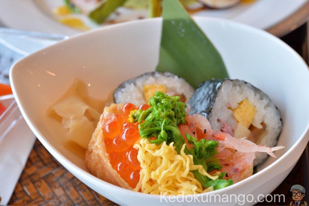 黒酢レストランの巻き寿司
