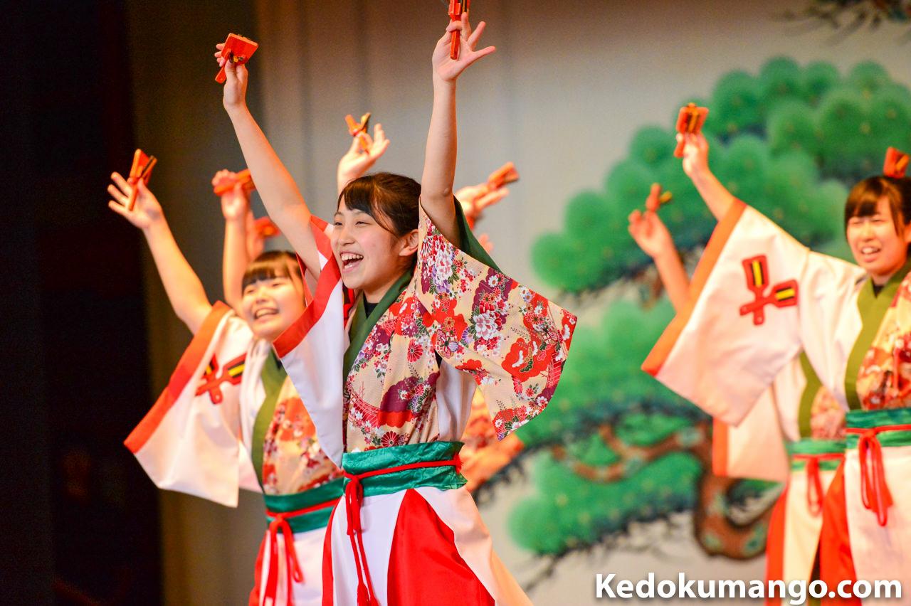 よさこい太鼓_女子生徒の演舞-4
