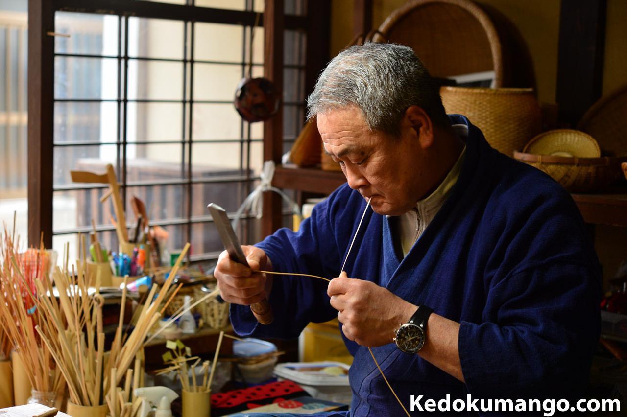 ニッコールレンズフォトツアーでのスナップ写真-竹細工の職人