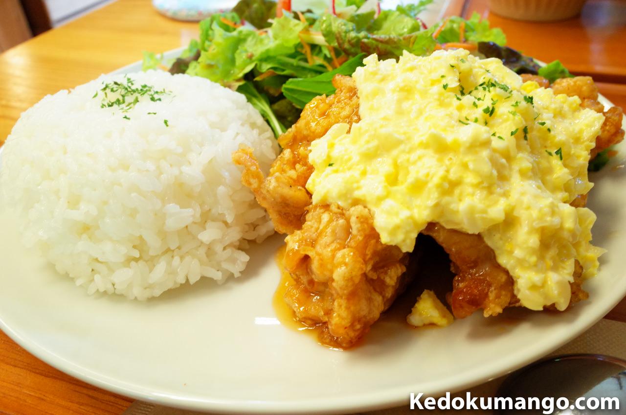 「Rojiura Cafe(路地裏カフェ)」のチキン南蛮