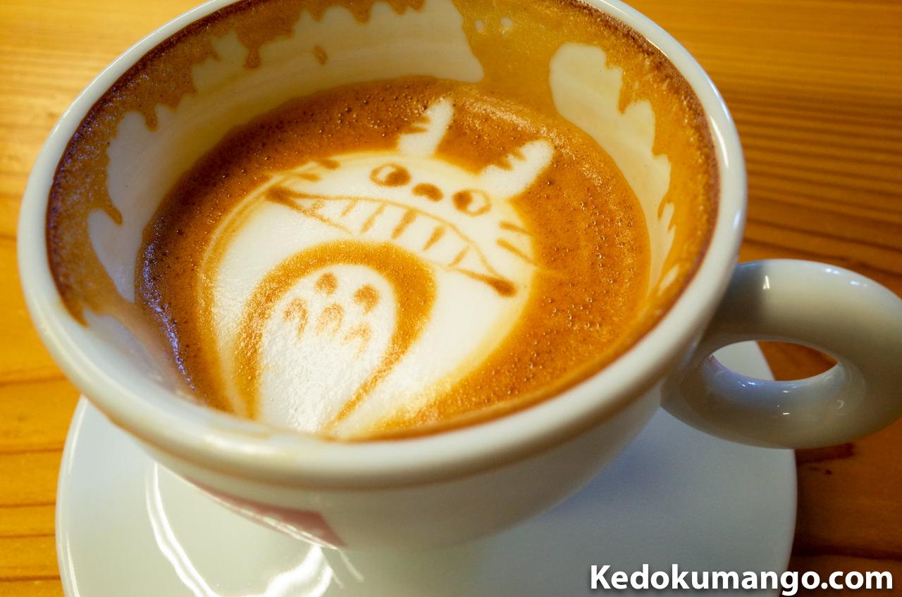 「Rojiura Cafe(路地裏カフェ)」のカフェラテ-2