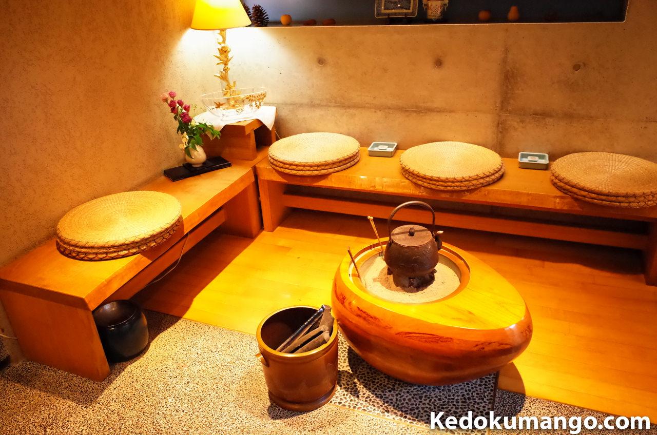 鹿児島市の美味しい蕎麦屋「天神房丸新」の待合室