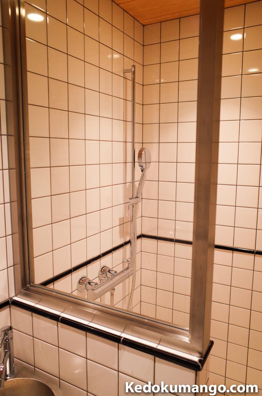 530号室のバスルーム
