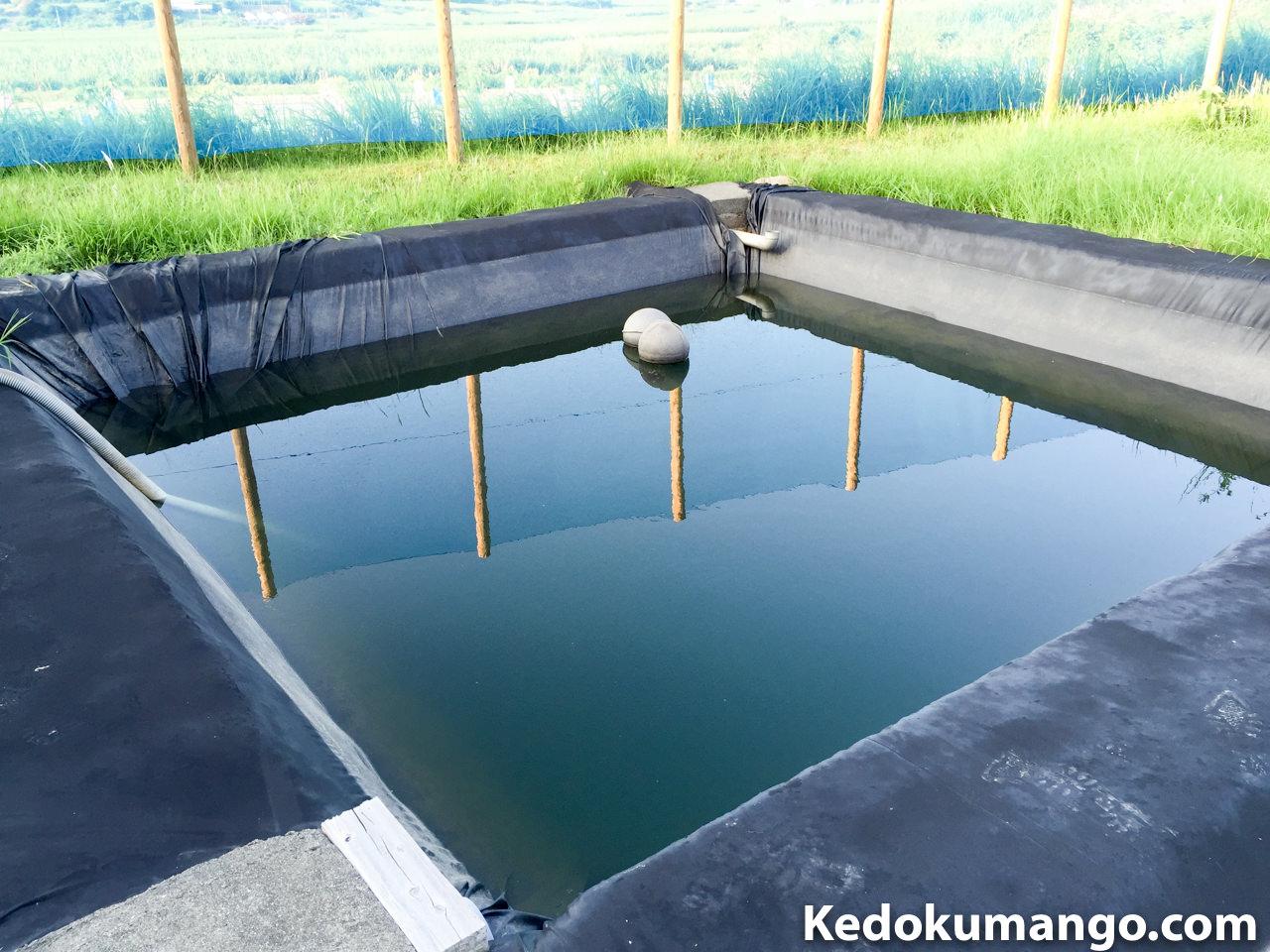 貯水池の水が減っている様子