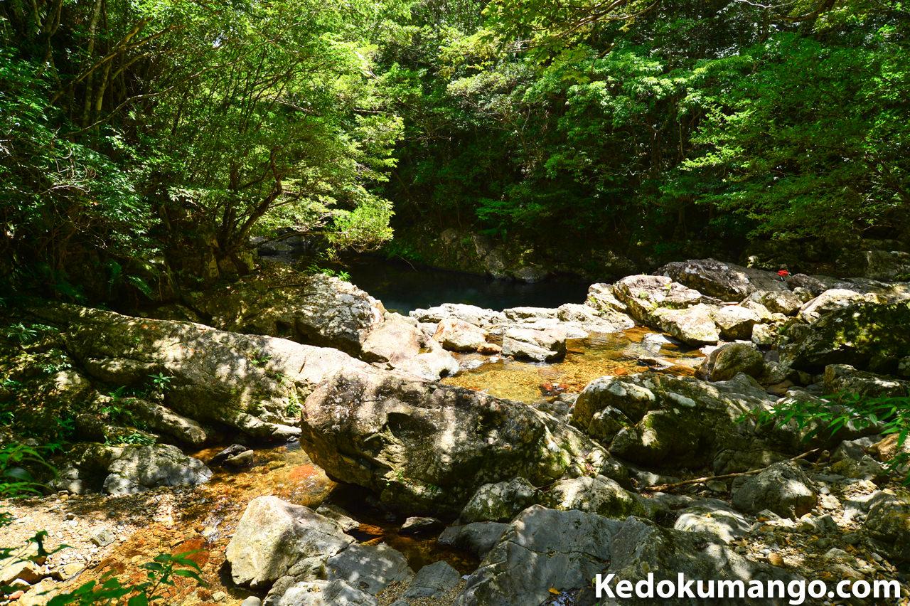 マテリヤの滝での木漏れ日