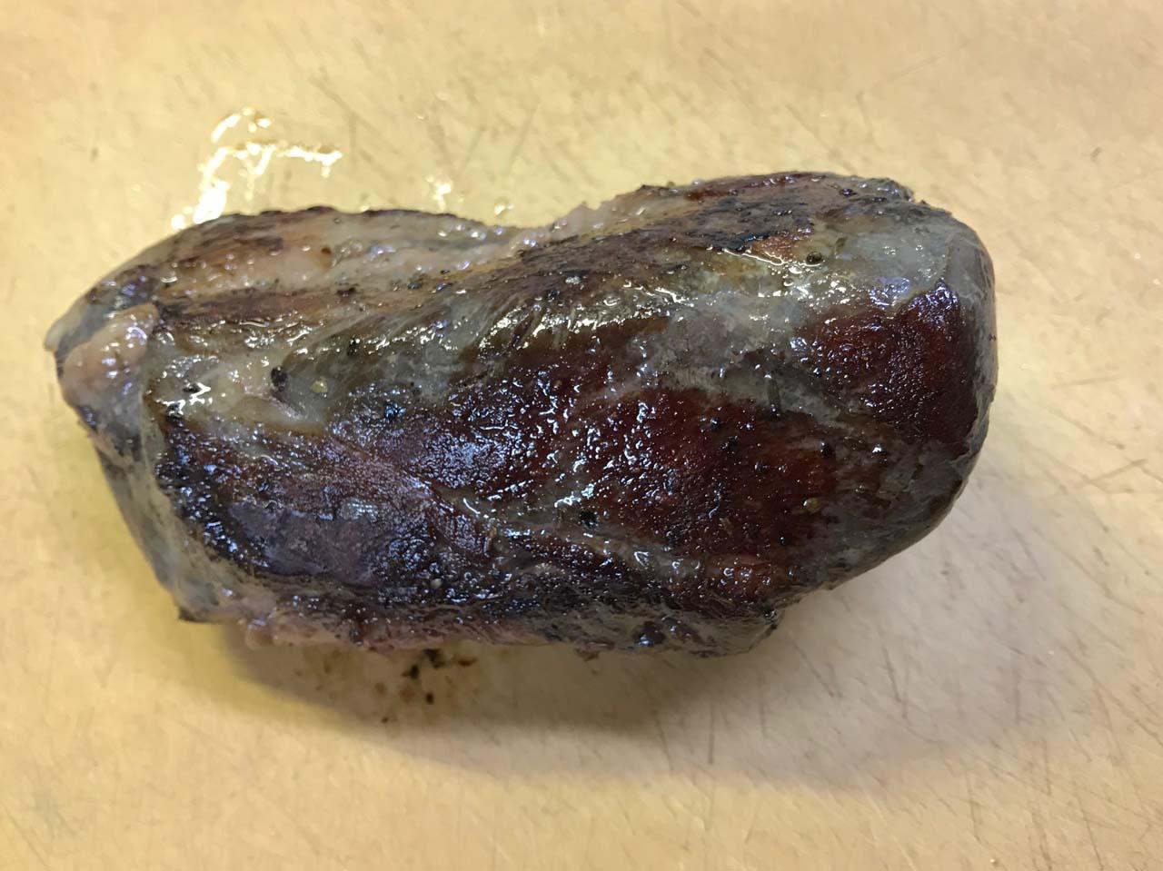 炙った猪肉